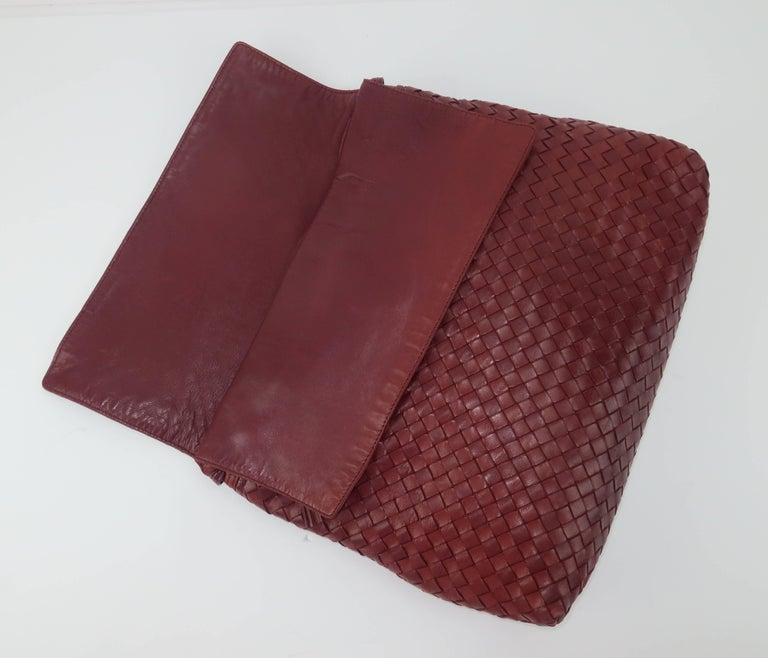 Vintage Bottega Veneta Burgundy Intrecciato Leather Shoulder Handbag For Sale 1