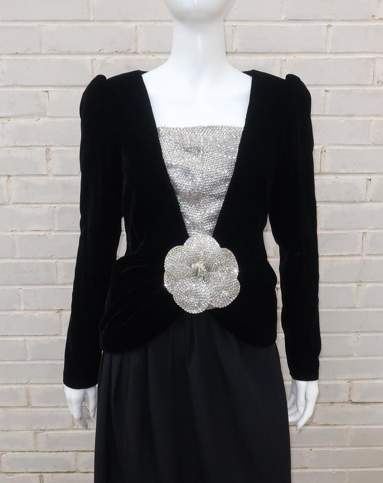 C.1990 Oscar de la Renta Black Velvet Two Piece Dress With Silver Sequins In Good Condition For Sale In Atlanta, GA