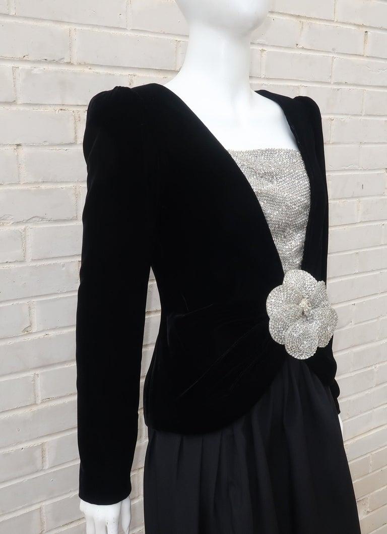 C.1990 Oscar de la Renta Black Velvet Two Piece Dress With Silver Sequins For Sale 2