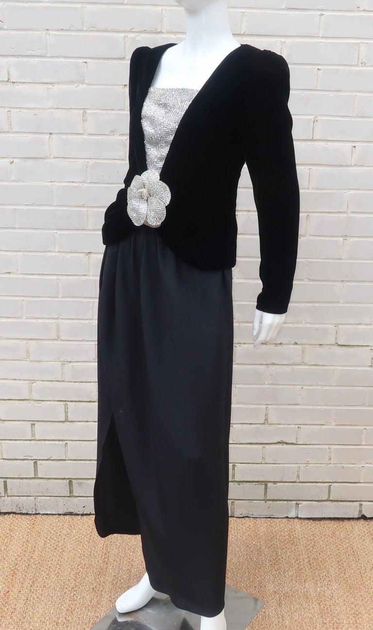 C.1990 Oscar de la Renta Black Velvet Two Piece Dress With Silver Sequins For Sale 4
