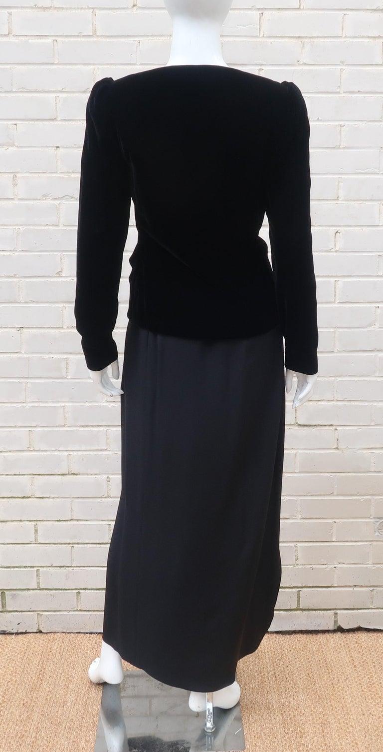 C.1990 Oscar de la Renta Black Velvet Two Piece Dress With Silver Sequins For Sale 5