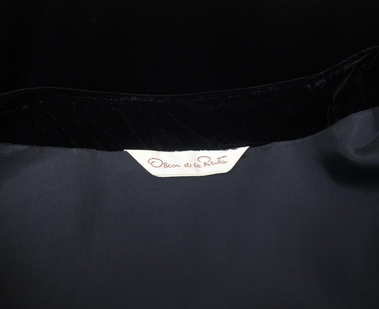 C.1990 Oscar de la Renta Black Velvet Two Piece Dress With Silver Sequins For Sale 13