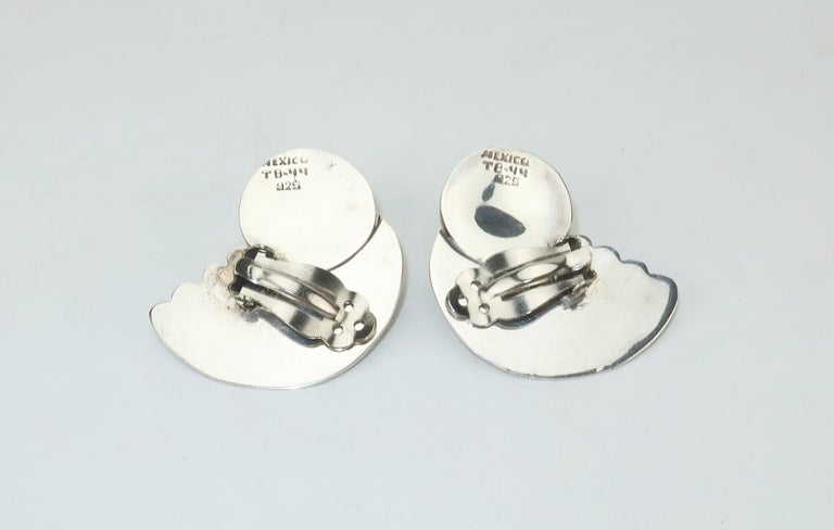 C.1980 Taxco Mexican Artisan Sterling Silver & Brass Earrings For Sale 1