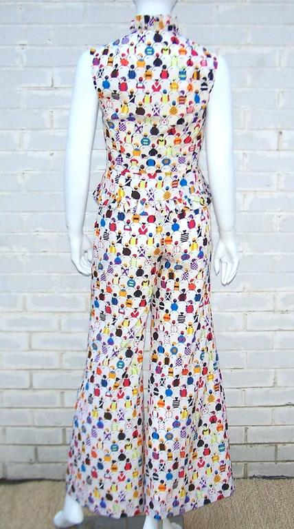 1970's 'Day At The Races' Silk Bell Bottom Pants Ensemble With Jockey Print In Excellent Condition For Sale In Atlanta, GA
