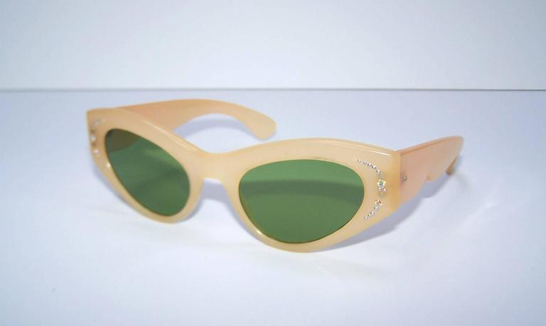 1950 S Italian Blonde Cat Eye Sunglasses With Green Lenses
