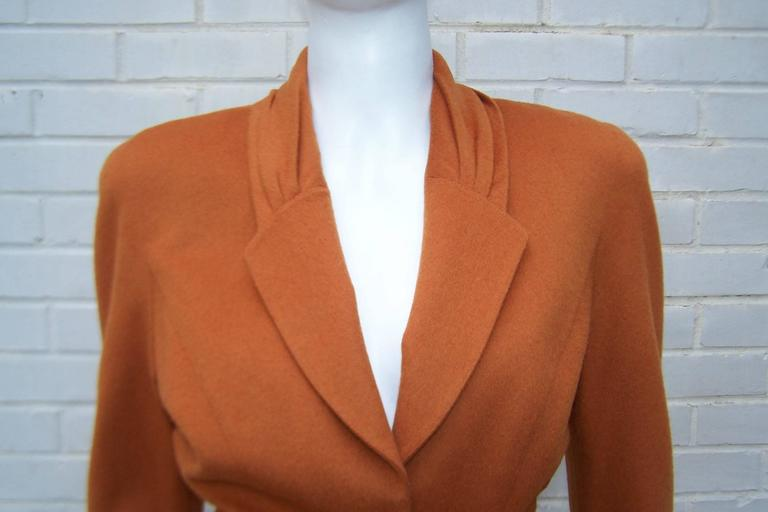 1980's Thierry Mugler Pumpkin Wool Wasp Waist Jacket With Chain Closure In Excellent Condition For Sale In Atlanta, GA