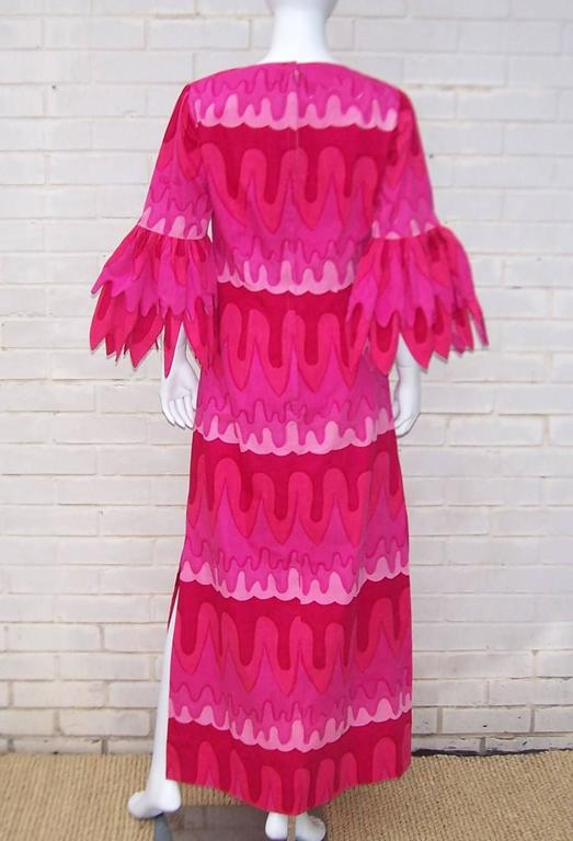 C.1970 Hot Pink Mod Print Maxi Dress With Petal Sleeves For Sale 1