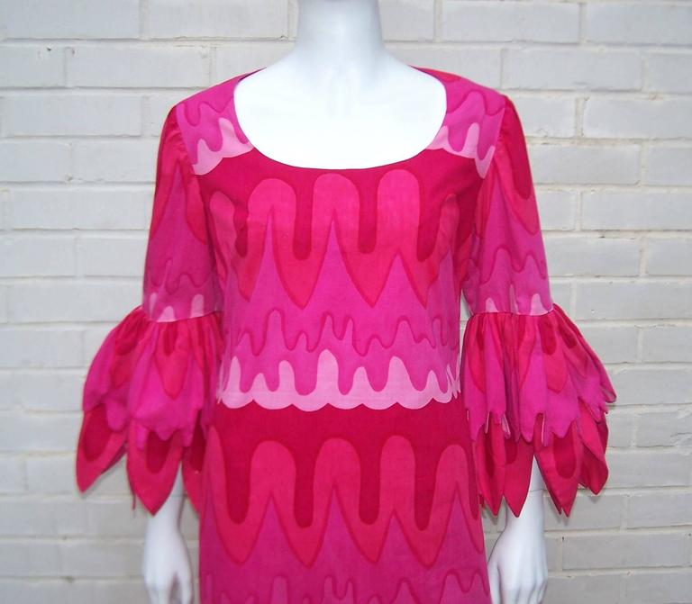C.1970 Hot Pink Mod Print Maxi Dress With Petal Sleeves For Sale 2