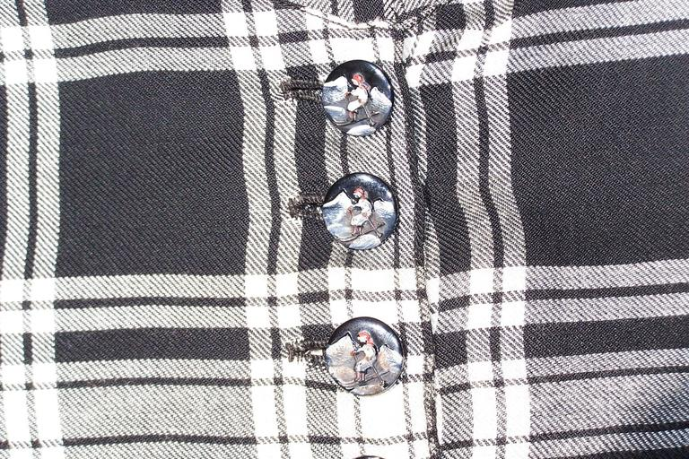 C.1930 Black & White Plaid Ski Wear Vest With Novelty Skier Buttons For Sale 3