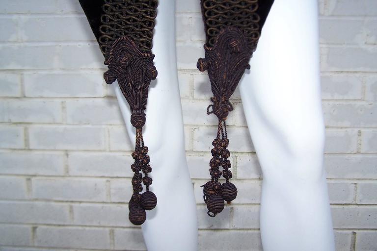 Amazing C.1900 Victorian Velvet Mantle Coat With Soutache & Lappet Tails For Sale 3