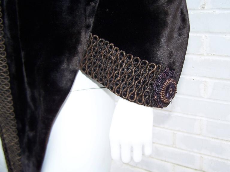 Amazing C.1900 Victorian Velvet Mantle Coat With Soutache & Lappet Tails For Sale 2