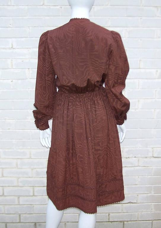 Women's C.1980 Adele Simpson Chocolate Brown Moire Dress With Organza Lining For Sale