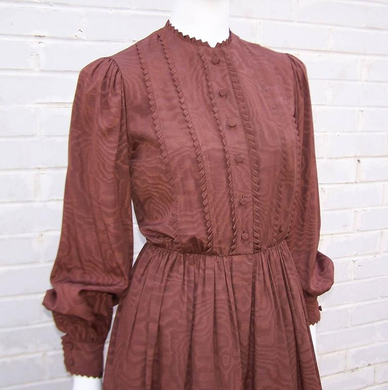 C.1980 Adele Simpson Chocolate Brown Moire Dress With Organza Lining For Sale 2