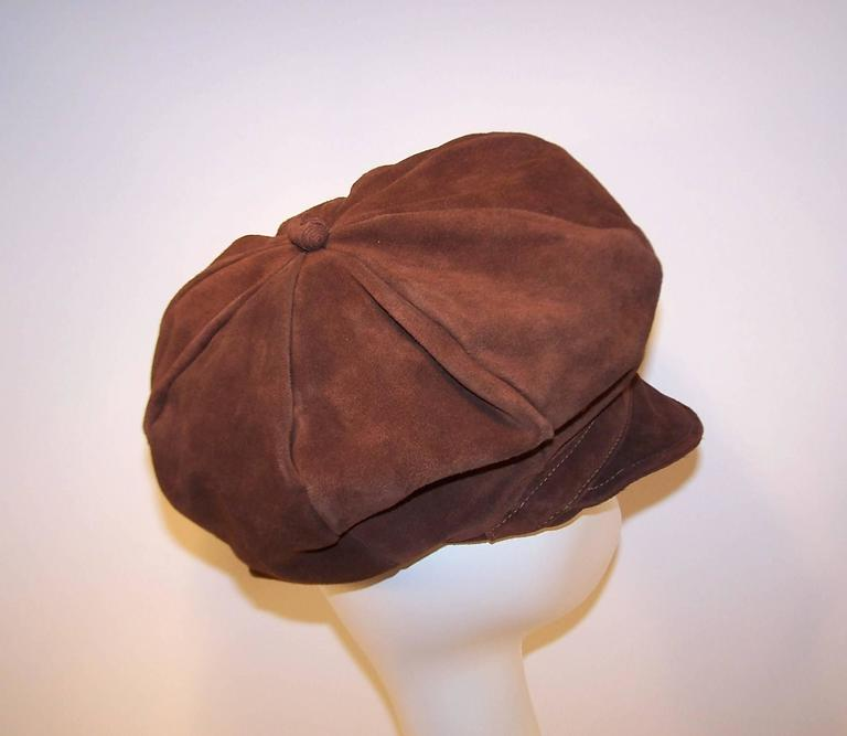 EXTRA! EXTRA! C.1970 Newsboy Style Brown Suede Boho Hat For Sale 2