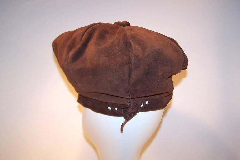 EXTRA! EXTRA! C.1970 Newsboy Style Brown Suede Boho Hat For Sale 3