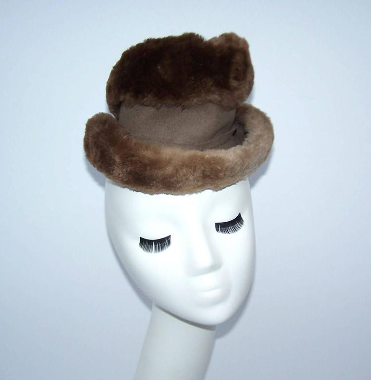 Ultra Stylish 1940's Rose Kraysler Sheared Beaver Fur Hat In Excellent Condition For Sale In Atlanta, GA