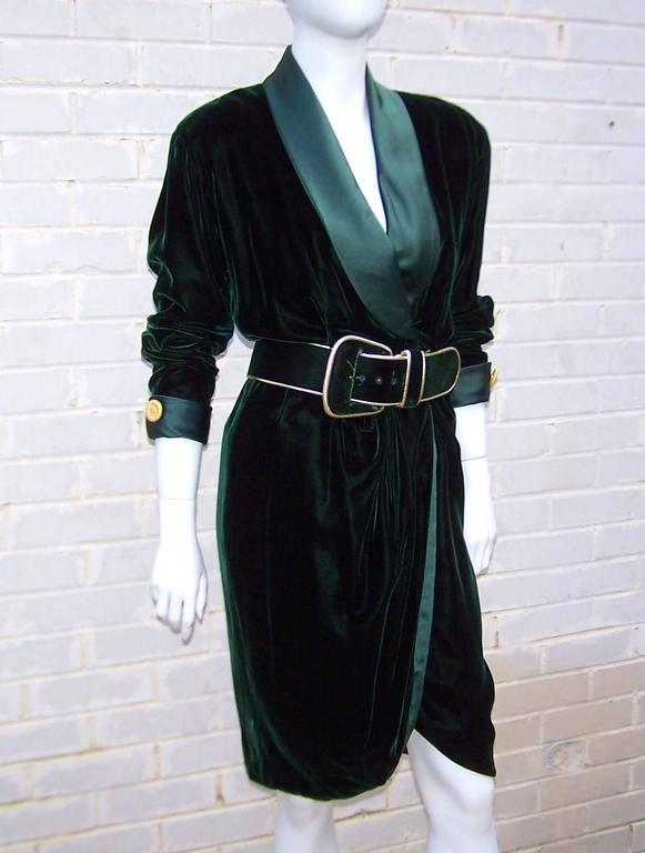 1980's Donna Karan for Anne Klein Rich Green Velvet Dress With Gold Details In Excellent Condition For Sale In Atlanta, GA