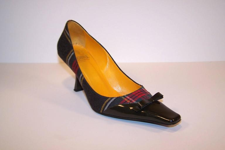Mad For Plaid 1990's Moschino Wool Pumps With Gray Patent Leather Details 5
