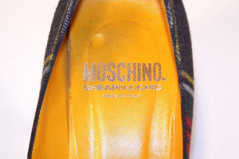 Mad For Plaid 1990's Moschino Wool Pumps With Gray Patent Leather Details 10