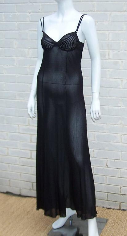 Seductive 1990's Hanro of Switzerland Black Negligee Dressing Gown In Excellent Condition In Atlanta, GA
