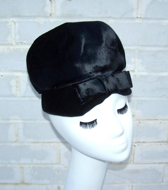 Women's Mod 1960's Mr. John Jr. Black Faux Fur & Velvet Hat With Bow For Sale