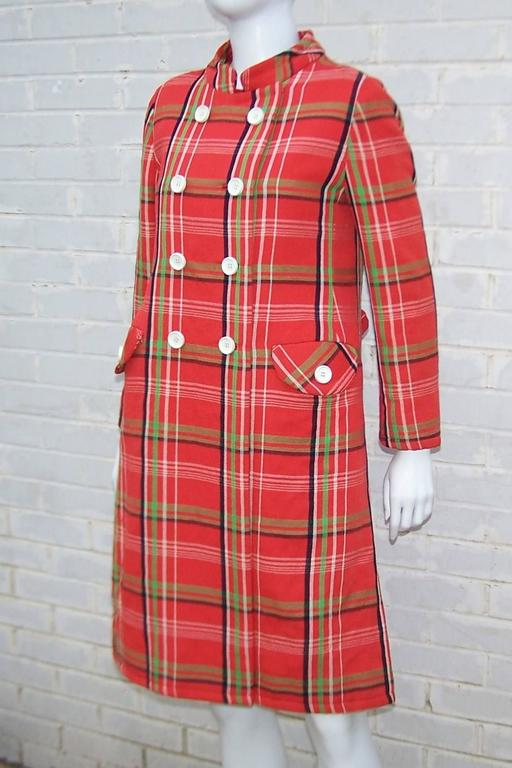 Mod 1960's John Baldwin Plaid Jumper Style Dress With Matching Coat For Sale 1