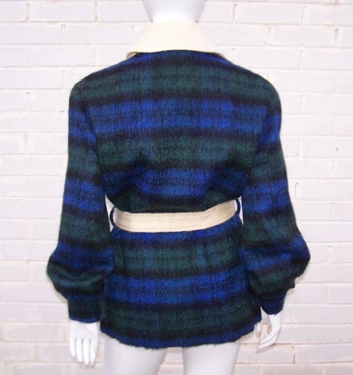 Women's Cozy C.1950 Plaid Scottish Mohair Car Coat Jacket For Sale