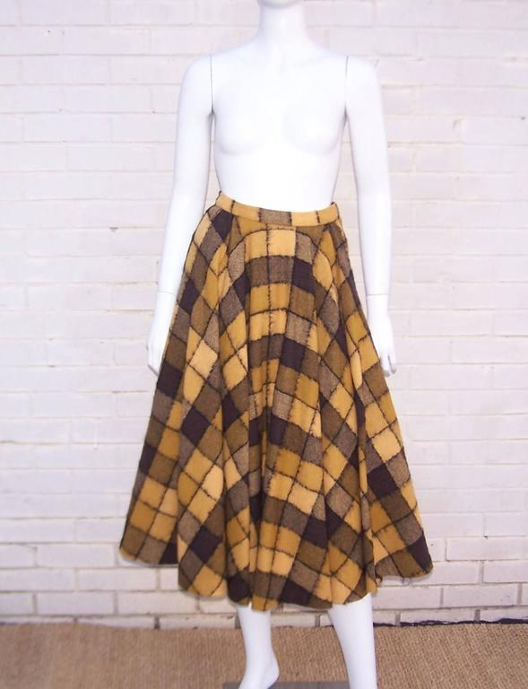 Checkered 1950's Wool Full Circle Skirt In Excellent Condition For Sale In Atlanta, GA