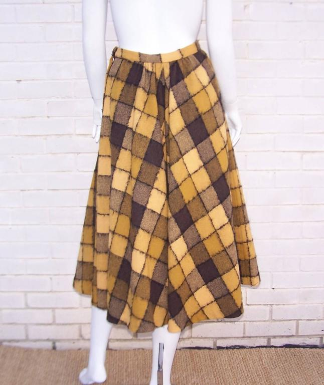Checkered 1950's Wool Full Circle Skirt For Sale 1