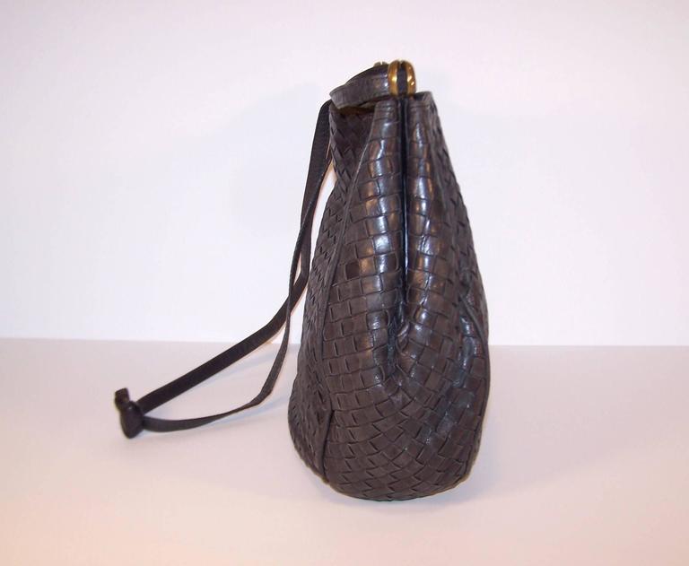 Vintage Bottega Veneta Charcoal Gray Intrecciato Leather Shoulder Handbag  For Sale 2 18e470fbbceb7