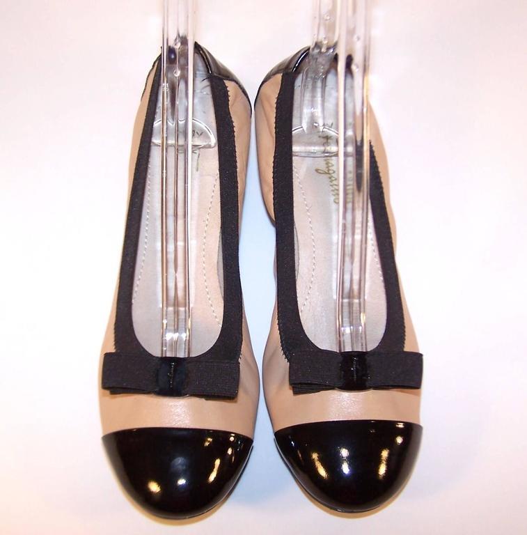 New In Box Ferragamo 'My Paris' Ballerina Shoes Size 8 In New Condition For Sale In Atlanta, GA