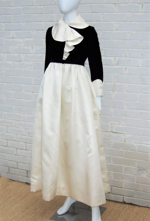 Fab 1960's Geoffrey Beene Black Velvet & Ivory Satin Evening Dress In Good Condition For Sale In Atlanta, GA