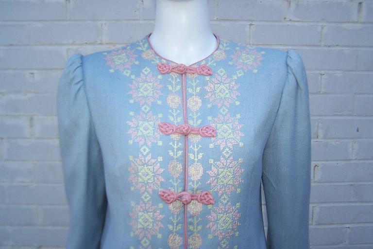 Women's C.1980 Oscar de la Renta Baby Blue Linen Skirt Suit With Pastel Embroidery For Sale