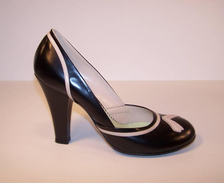 Women's Pin Up Girl Style Marc Jacobs Two Tone Leather Pumps Sz 38 For Sale