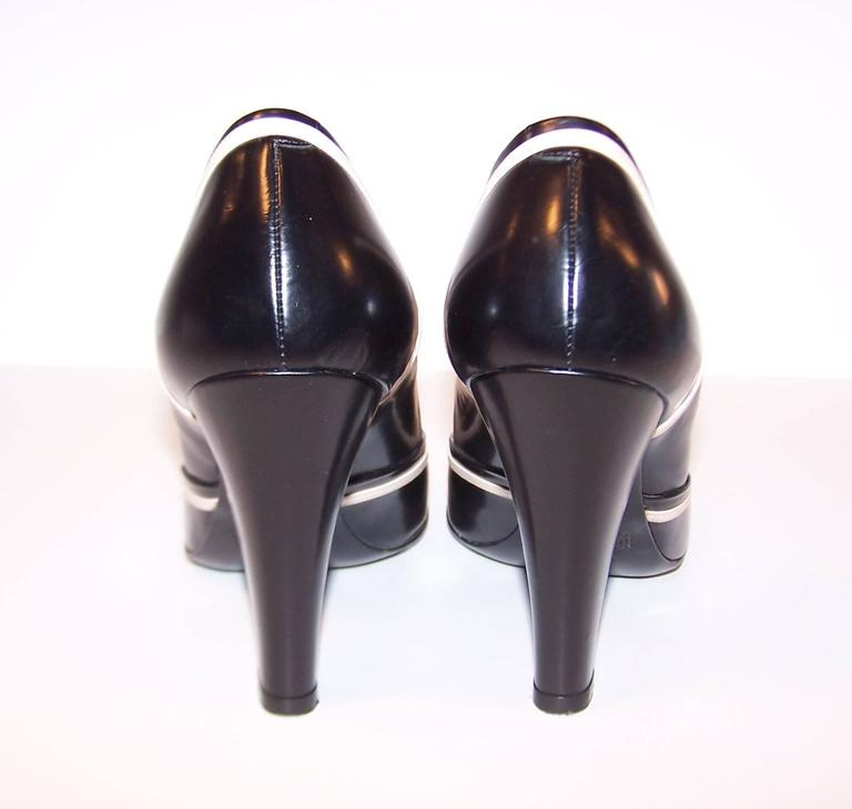 Pin Up Girl Style Marc Jacobs Two Tone Leather Pumps Sz 38 For Sale 2