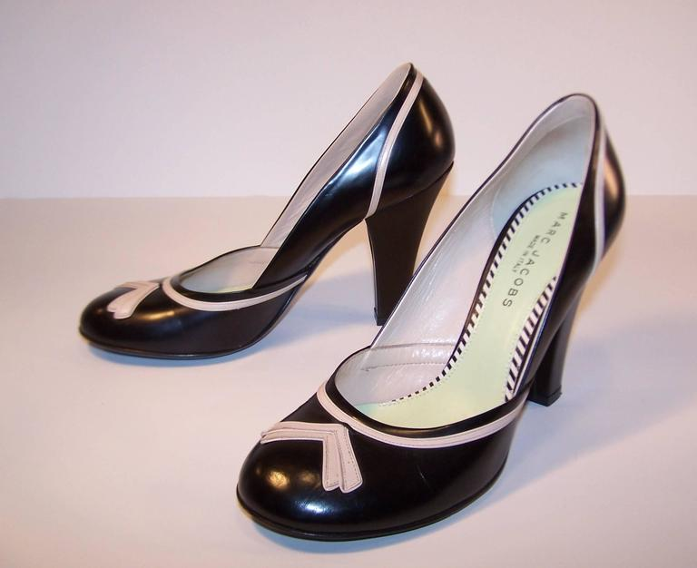 Pin Up Girl Style Marc Jacobs Two Tone Leather Pumps Sz 38 For Sale 4