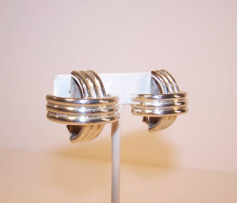 Modernist 1980's Ture Designs Sterling Silver Clip On Earrings For Sale 2