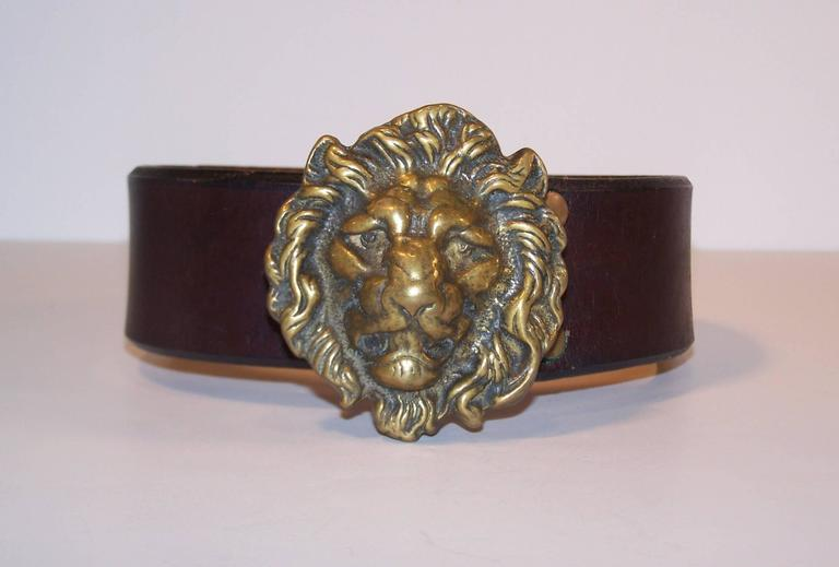 C.1970 Brass Lion & Brown Leather Belt Made in England for Lord & Taylor In Excellent Condition For Sale In Atlanta, GA