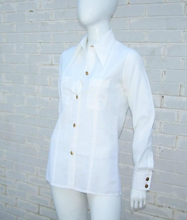 Crisp 1970's Gucci White Linen Shirt With Nautical Enamel Logo Buttons For Sale 1