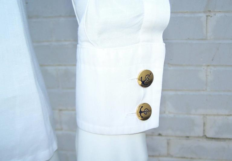 Crisp 1970's Gucci White Linen Shirt With Nautical Enamel Logo Buttons For Sale 2