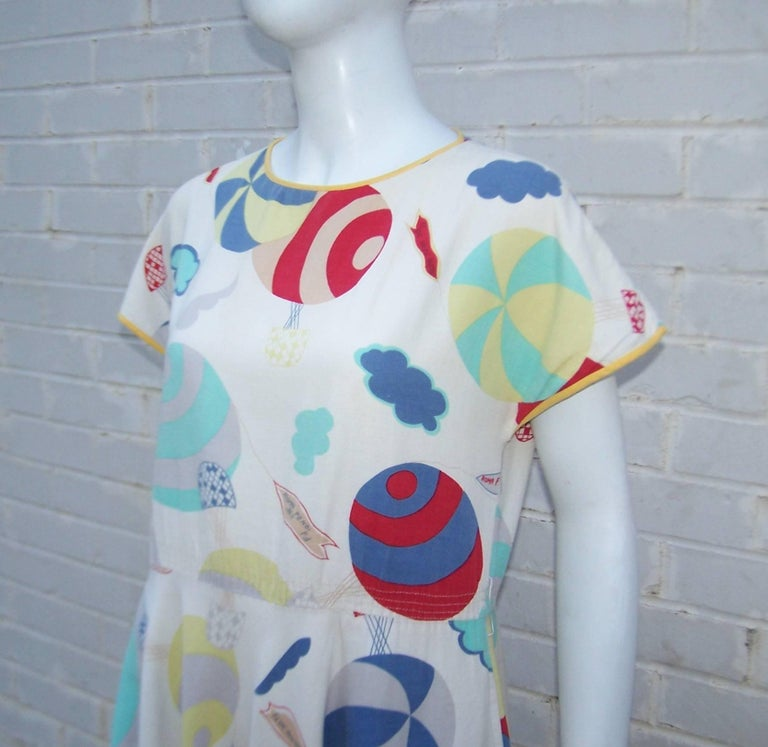Women's Whimsical 1970's Cotton Day Dress With Hot Air Balloon Logo Print For Sale