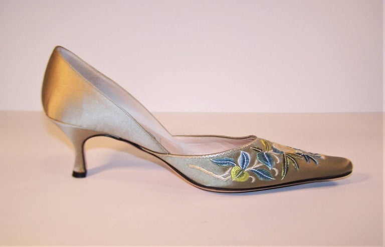 Emma Hope Embroidered Satin Kitten Heel Shoes Sz 38 1/2 7