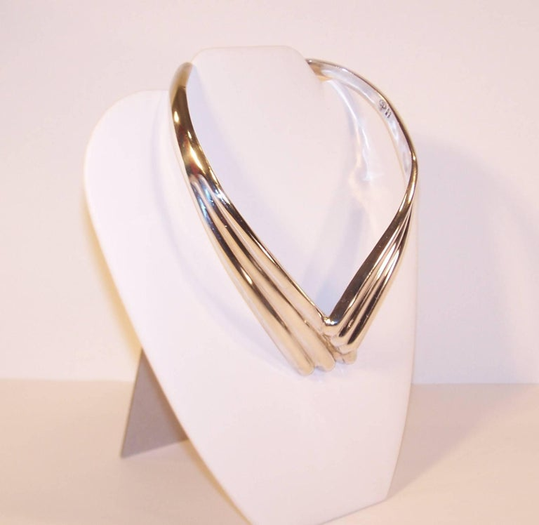 Modernist 1980's Dulce Plateros Taxco Sterling Silver Collar Necklace In Good Condition For Sale In Atlanta, GA