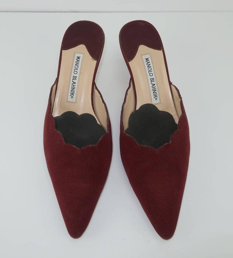 Black Manolo Blahnik Burgundy Mule Shoes With Gold Metal Kitten Heels Sz 37 For Sale