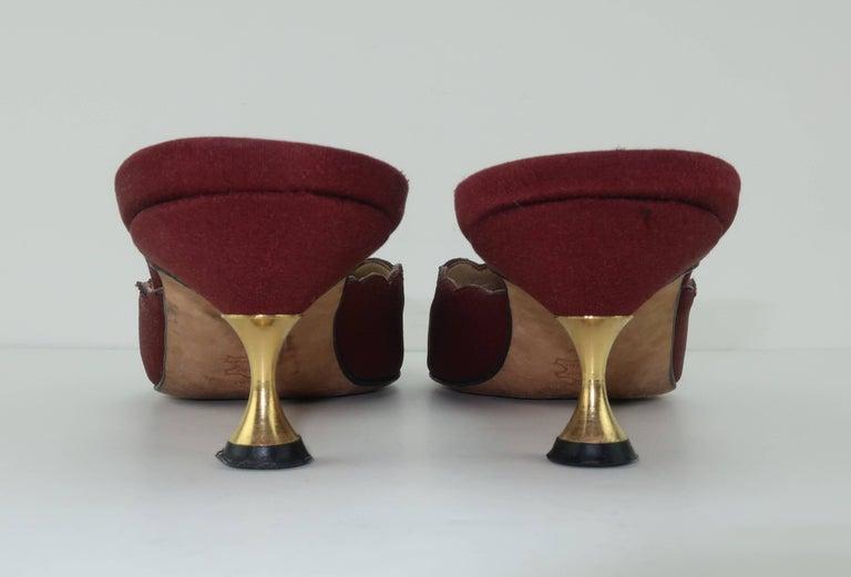 Women's Manolo Blahnik Burgundy Mule Shoes With Gold Metal Kitten Heels Sz 37 For Sale
