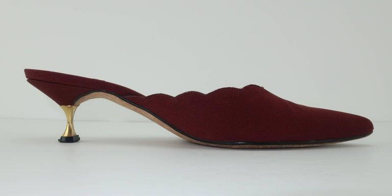 Manolo Blahnik Burgundy Mule Shoes With Gold Metal Kitten Heels Sz 37 For Sale 3