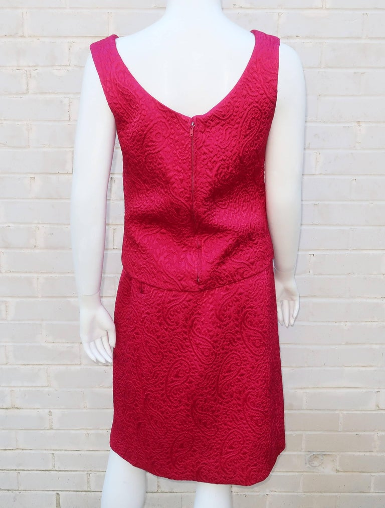 1950's Hannah Troy Fuchsia Quilted Cocktail Dress Suit In Excellent Condition For Sale In Atlanta, GA