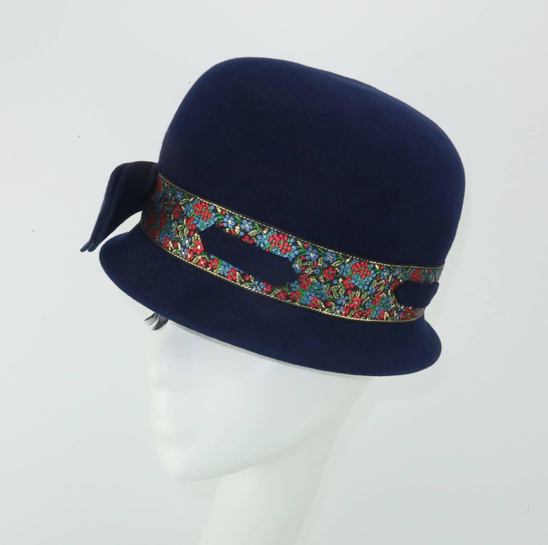 C.1960 Blue Wool Modified Bowler Hat With Brocade Trim In Good Condition For Sale In Atlanta, GA