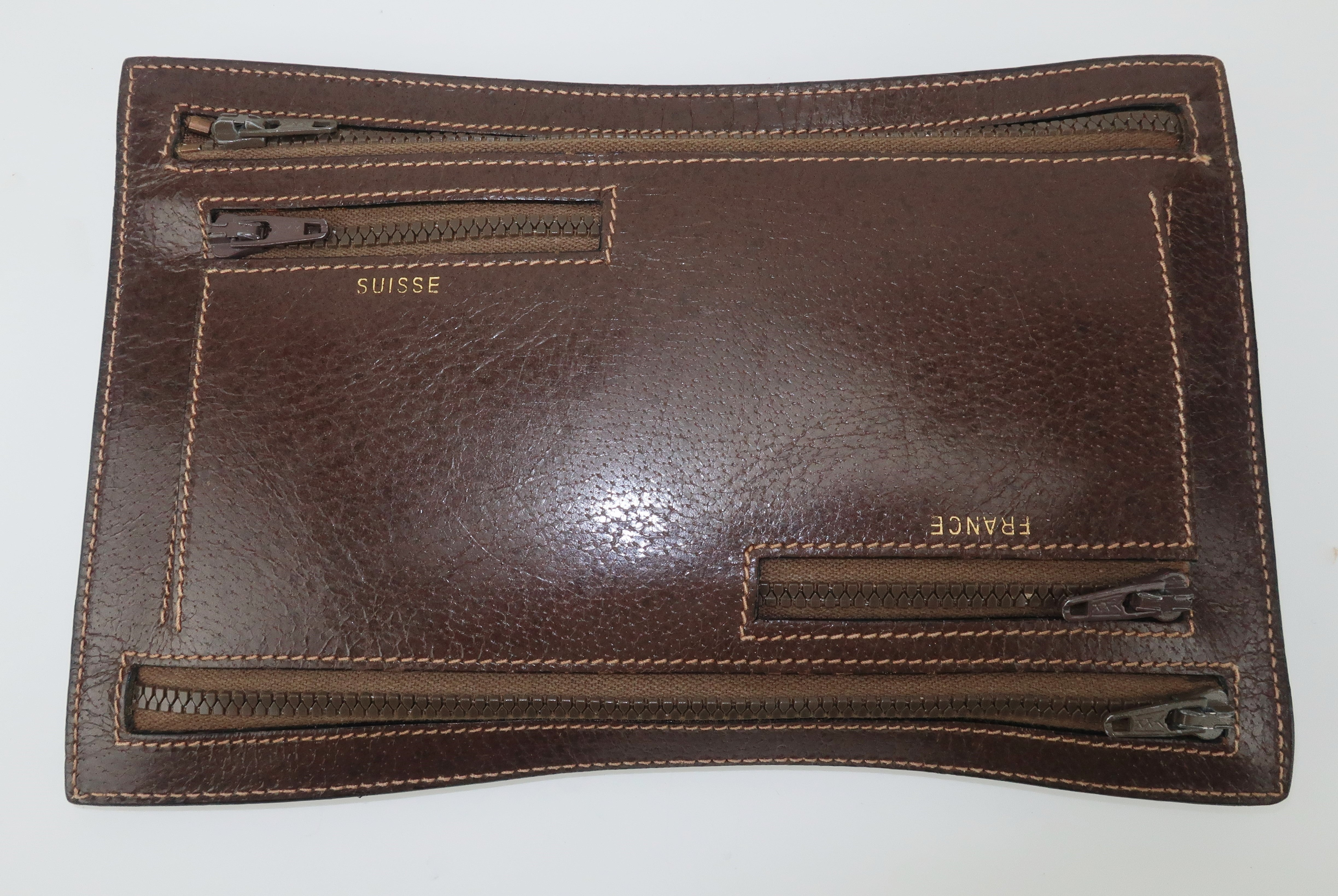 2e44e36dc436 Vintage Gucci Brown Leather Travel Wallet Pouch For Sale at 1stdibs