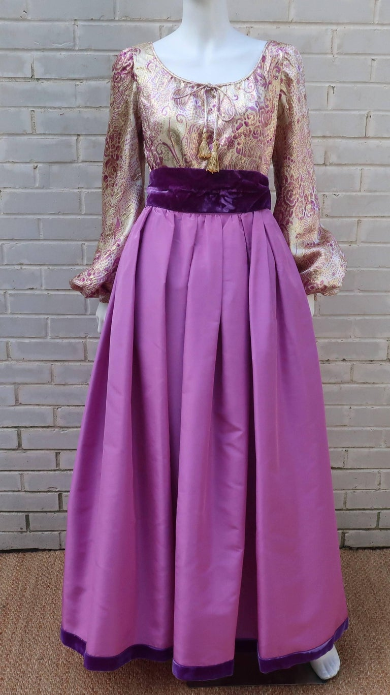 1970's Mignon Gold Lamé & Orchid Taffeta Peasant Dress Ensemble In Good Condition For Sale In Atlanta, GA